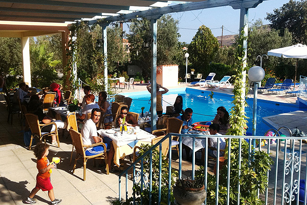 LESVOS HOTELS APARTMENTS FAMILIES 015