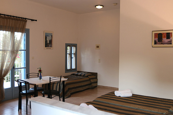 LESVOS HOTELS APARTMENTS STANDARD ROOM 005